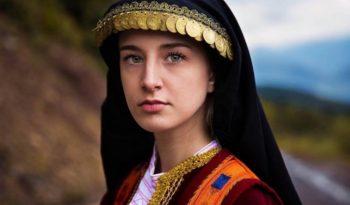 7 Rahasia Kecantikan Wanita Yunani Kuno Ala Theraskin